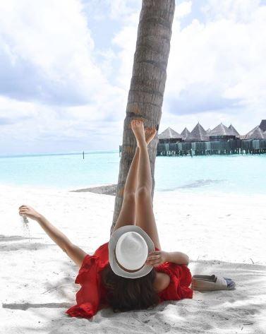 Sarah Helen Santini Uses Instagram Butler Service in Maldives